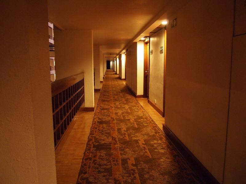 シナモングランドコロンボの内装 廊下